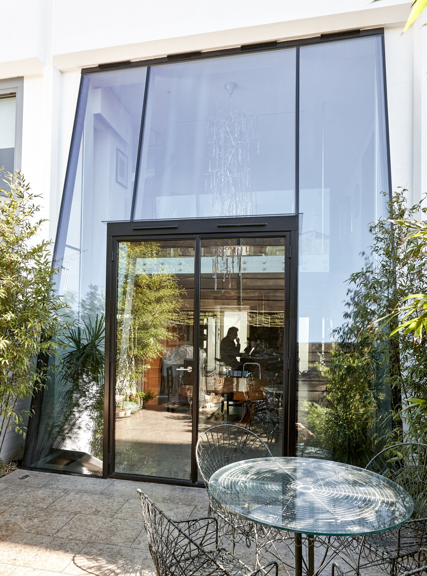 Modern Entrance Facade House House Entrance: Double Height Inclined Structurally Glazed Façade With Steel Doors