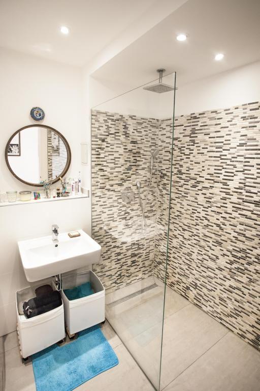 schönes badezimmer mit mosaikfliesenwand. #bathroom #mosaik | schöne, Design ideen