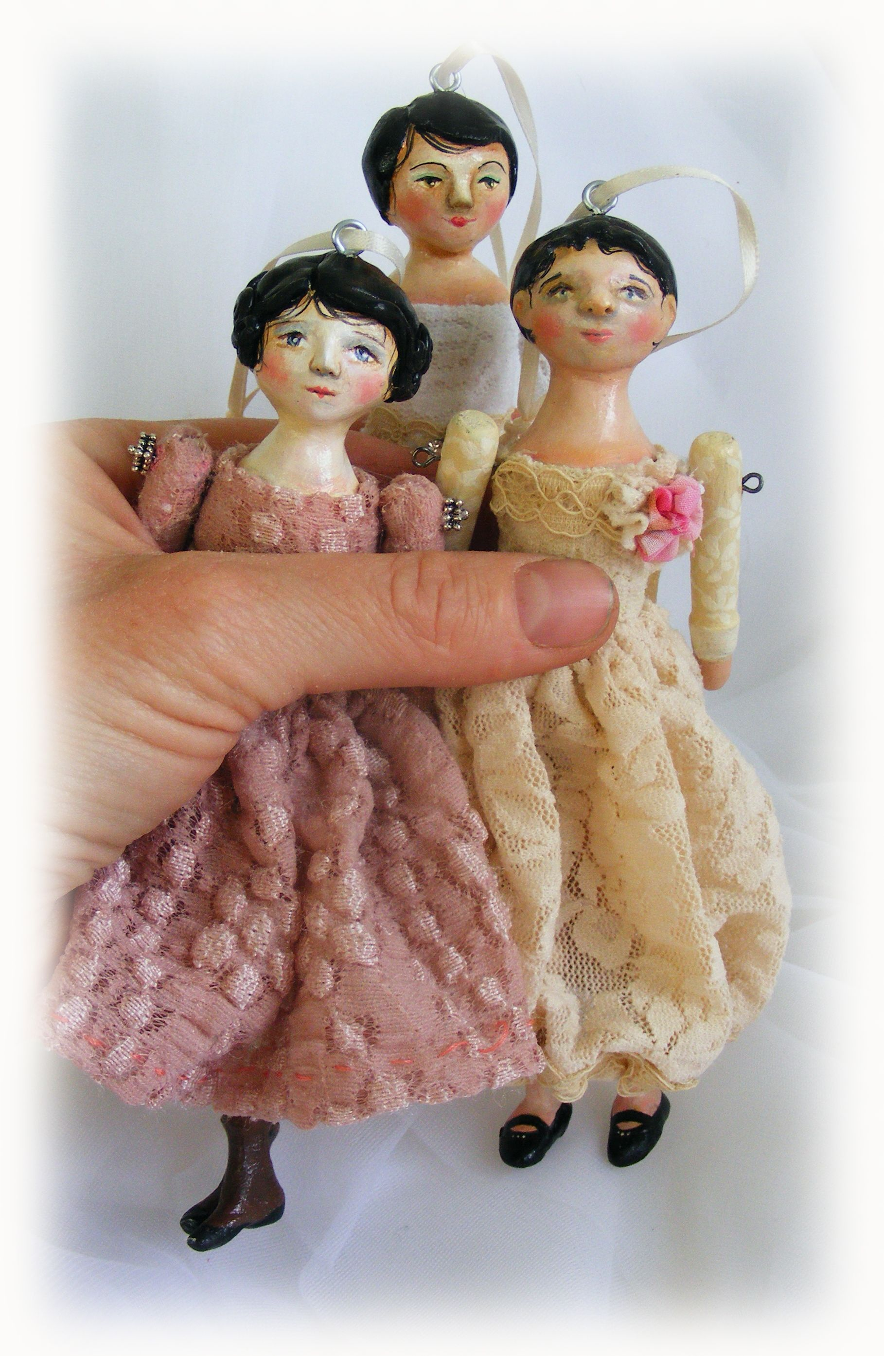 Handmade doll ornaments. By Lisa Scherer...adorable!!