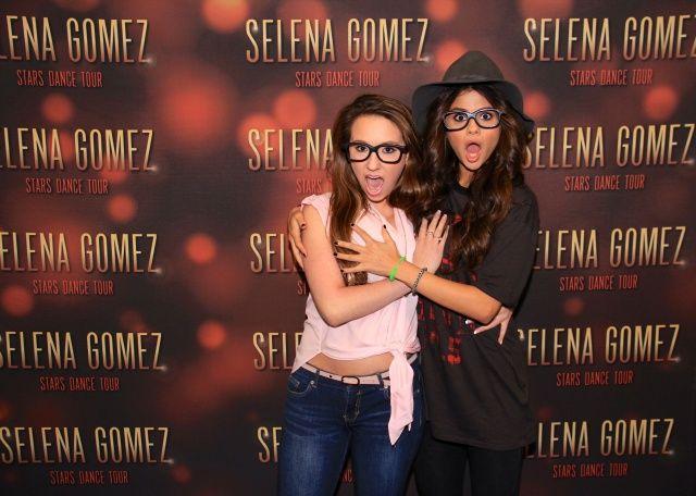 Selena gomez meet and greet 1 meet and greets pinterest selena selena gomez meet and greet 1 m4hsunfo