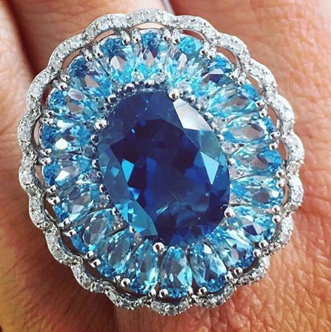 #jcklasvegas #firstlook designer Lali Jewels