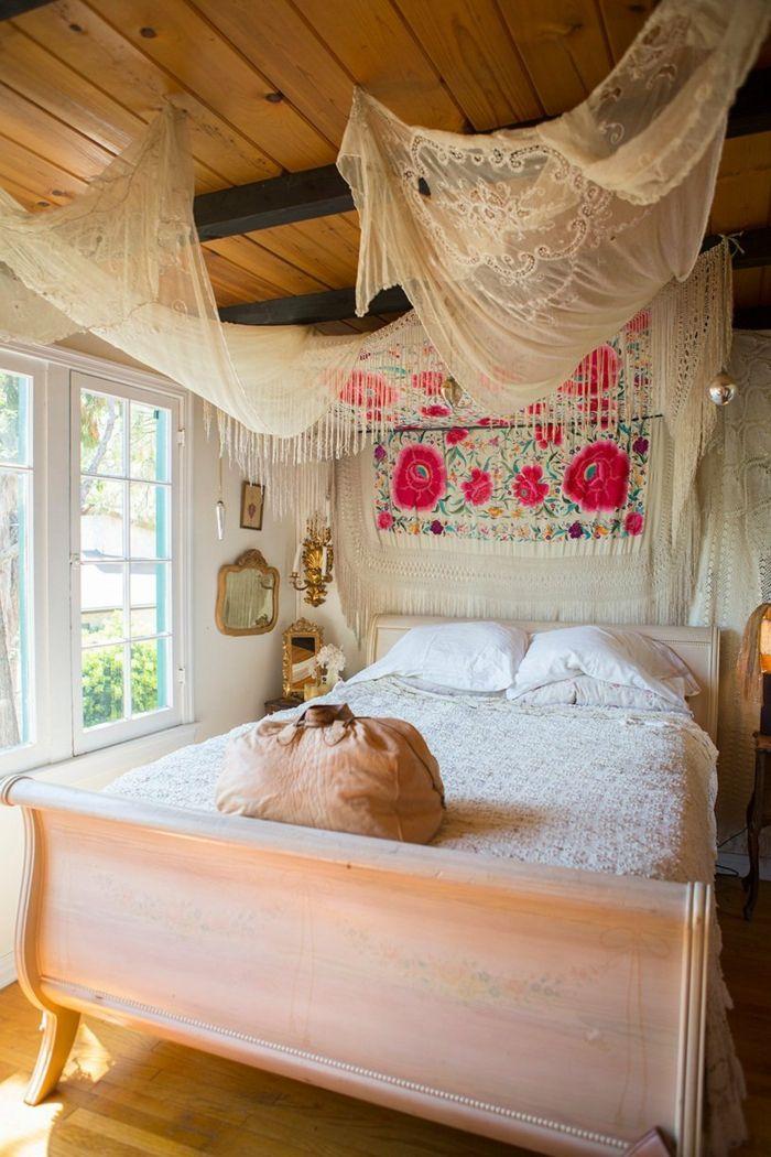 Romantische Schlafzimmer Gestaltung Shabby Chic Boho Stil Gardinen Umhang