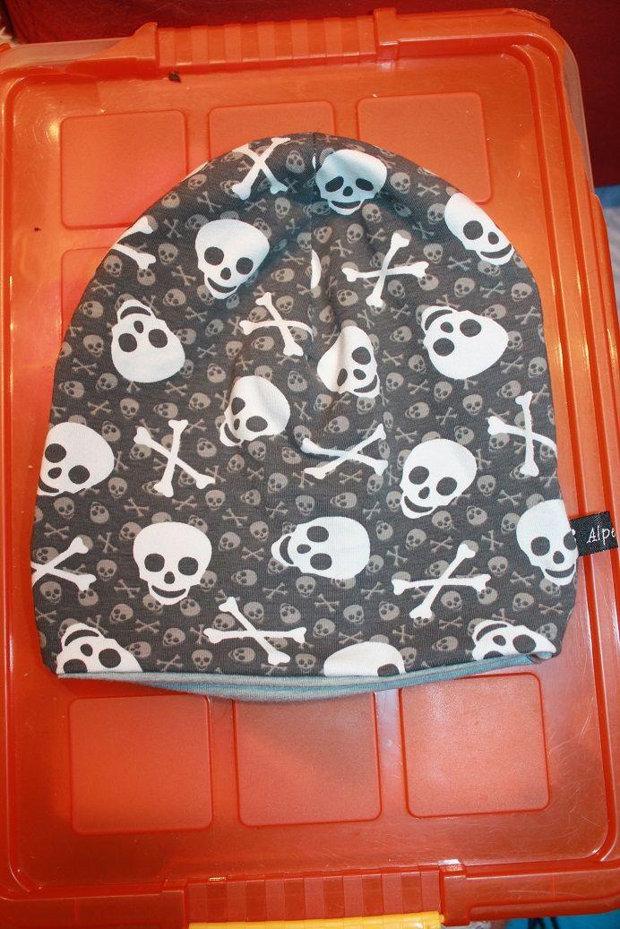 Wendebeanie Skulls <3  Wendeseite helles grau