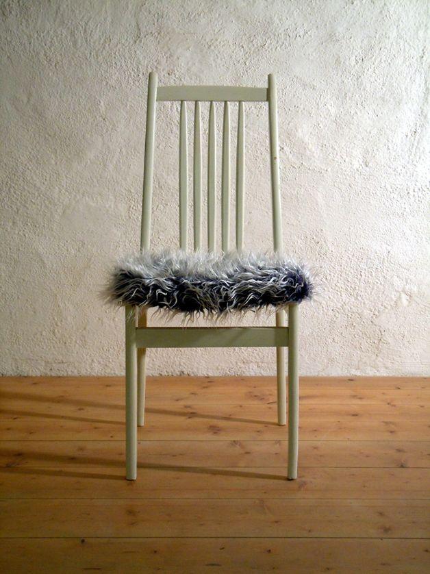 vintage stuhl mit fell vintage chair with fur by die. Black Bedroom Furniture Sets. Home Design Ideas