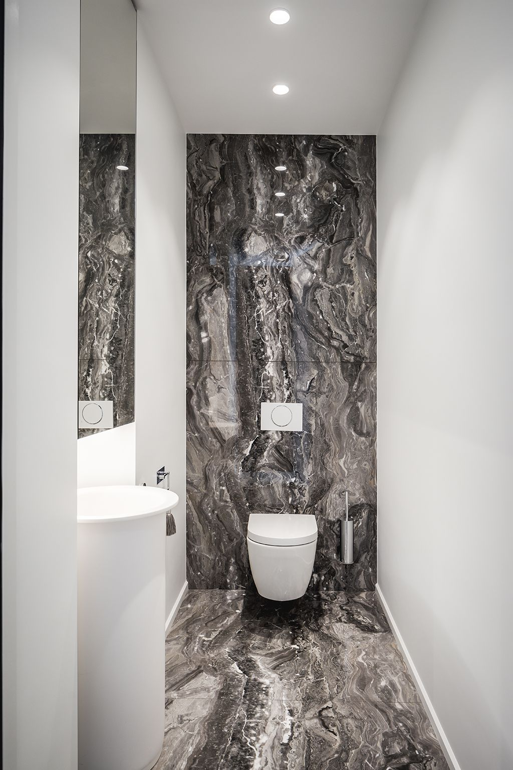 Supermodular Smart Kup Lighting In A Private Residence Picture By Peter Baas Desig Bathroom Inspiration Decor Bathroom Inspiration Modern Bathroom Lighting