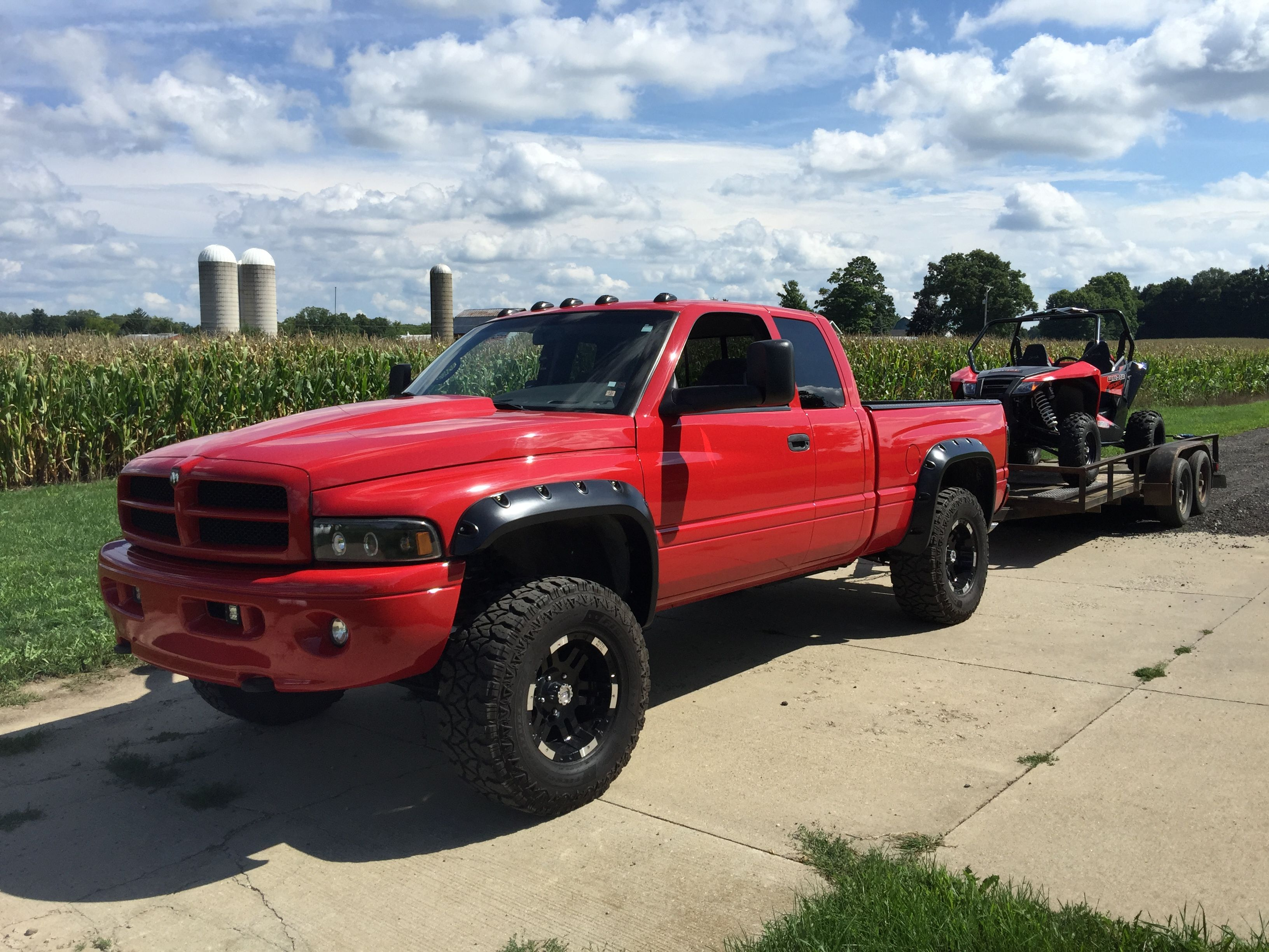 2001 dodge ram sport 1500 lifted on 35 s and moto metal wheels