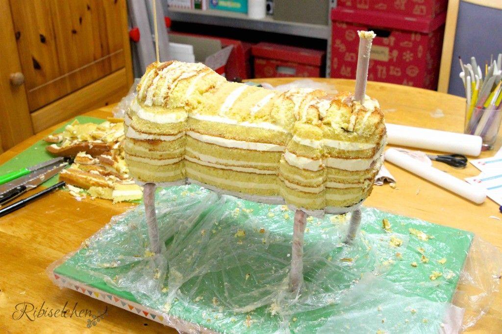 Aufbau für das Pferd für den Pferdeparty Kuchen