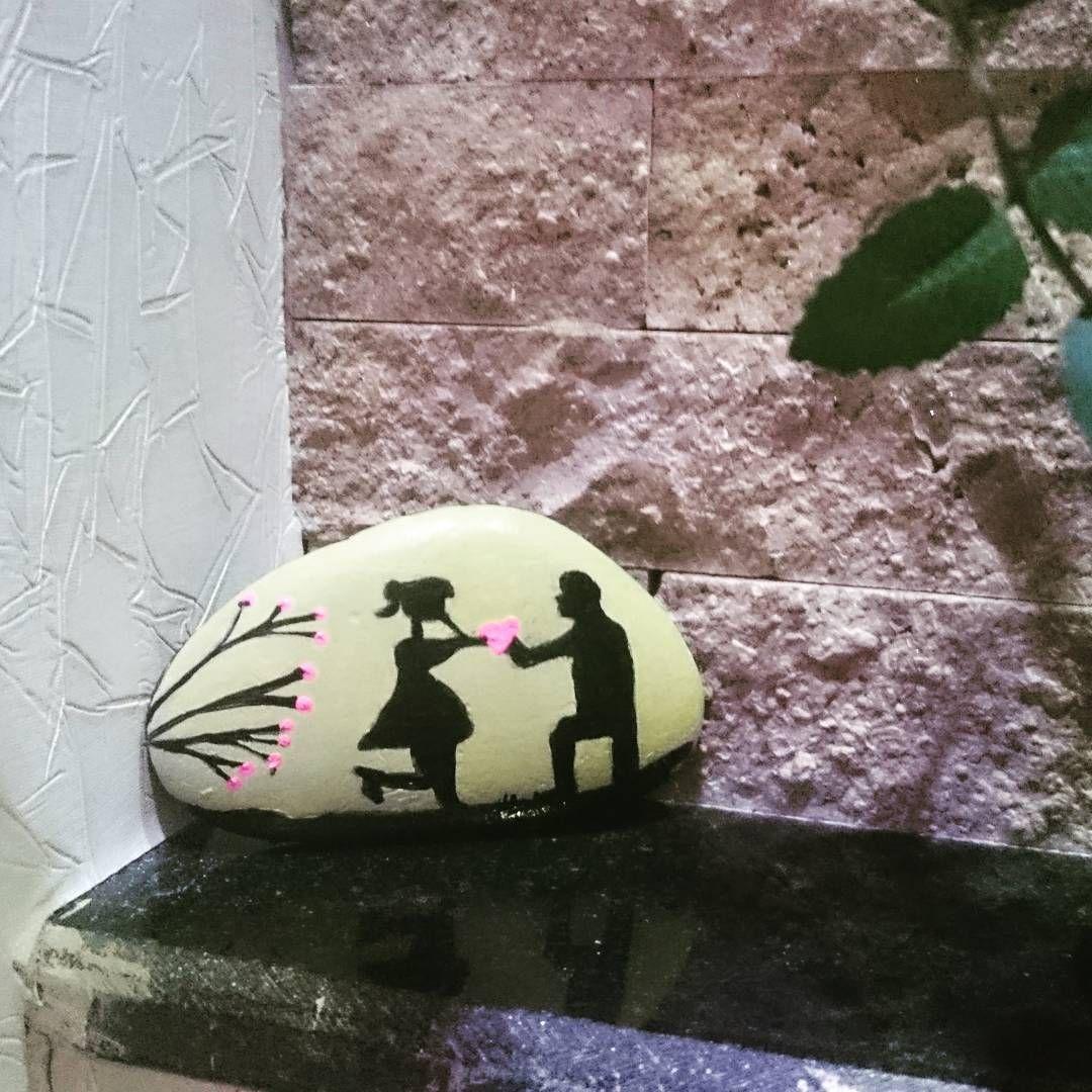 عکس از مشتری خوبمون سنگ رومیزی #سنگ_نگاری #سنگ_رومیزی #دنیا_پویان_مهر #دستساز…