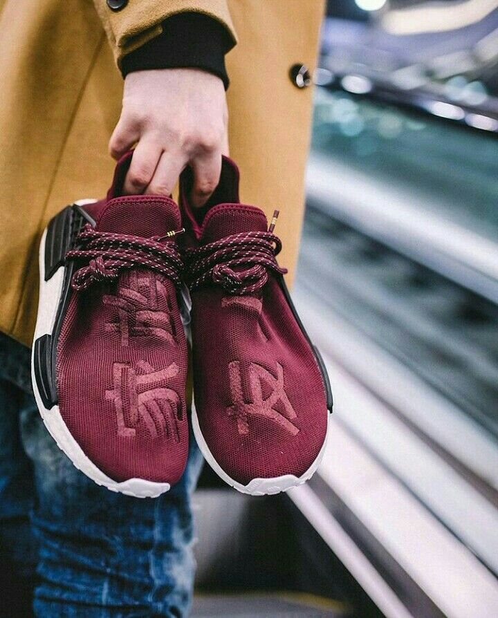 new product 96486 4eaaa Pharrell Williams x Adidas NMD Human Race Friends   Family   Urban Style    Pinterest   Zapatos adidas, Zapatillas adidas and Zapato tenis