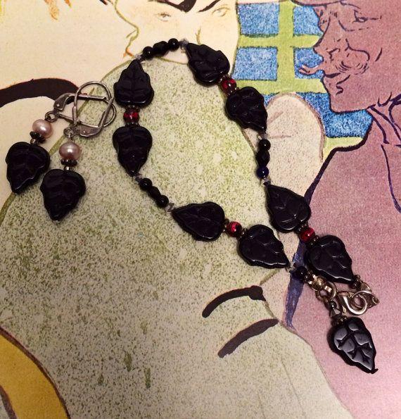 Beaded black bracelet earrings set Vintage leaf by TobysArtwear