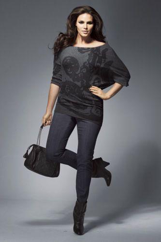 Féminines, actuelles et spécialement imaginées pour mettre en valeur les  silhouettes rondes, craquez pour ces tenues tendance. Manteau, veste en  cuir,.