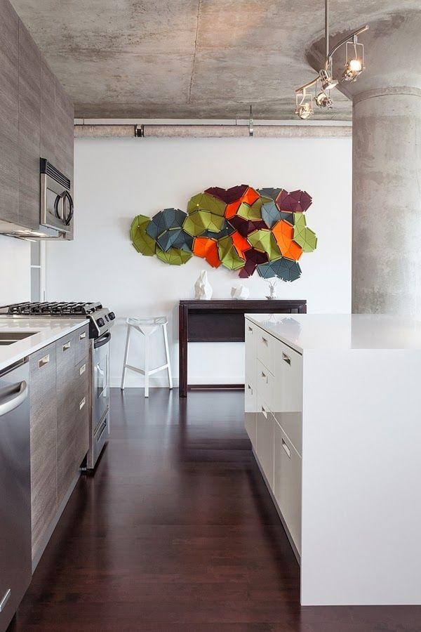 Sulla parete della cucina la decorazione modulare Clouds disegnata ...
