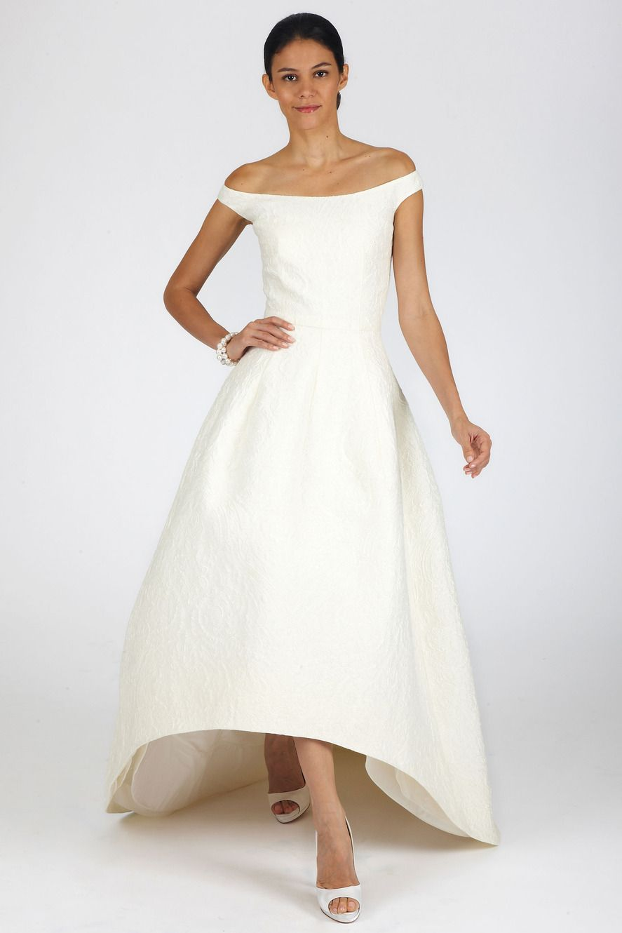 Dress for fall wedding  Oscar de la Renta  Oscar de la Renta Yule ball and Bridal collection