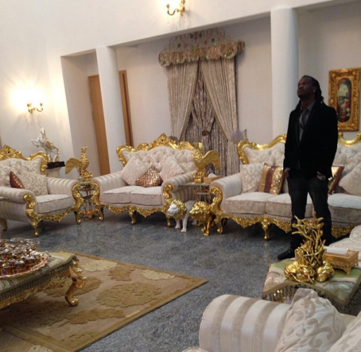 Nigerian Pop Artist In His Beautiful Home In Nigeria Decor Home Beautiful Homes