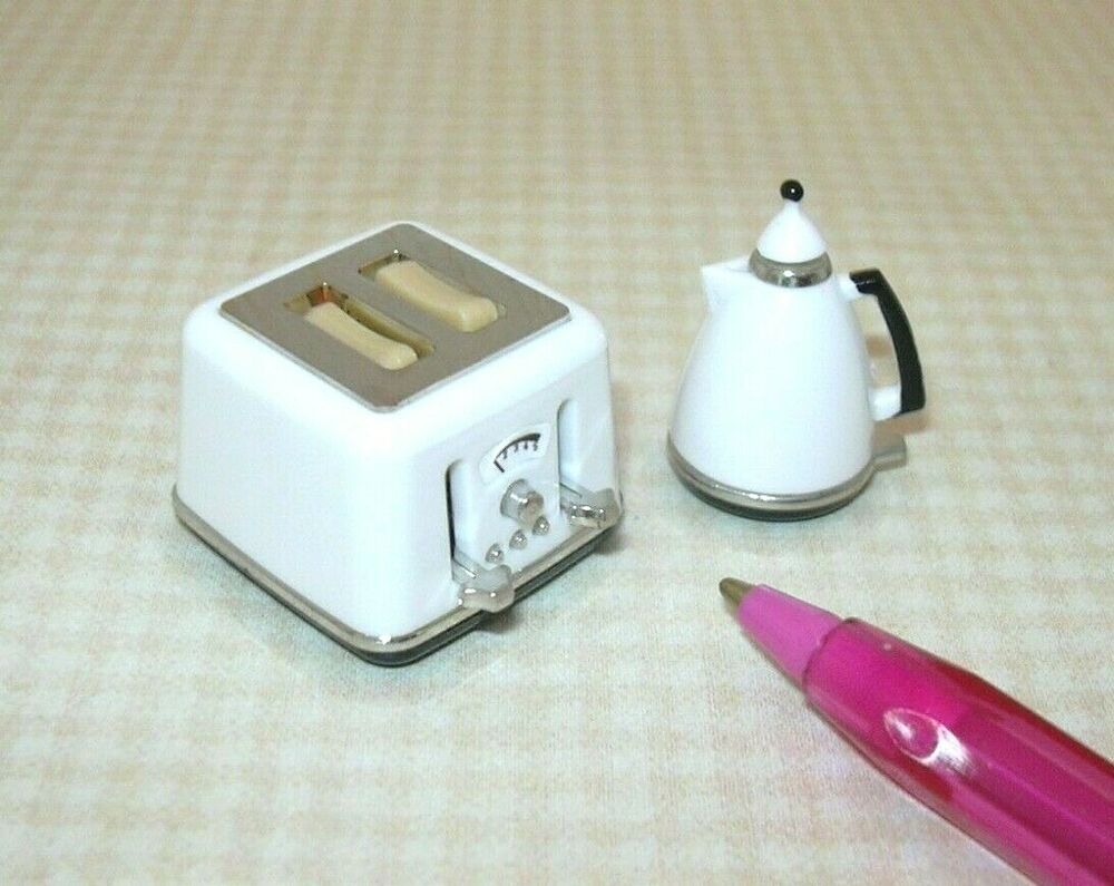 Silver Toaster with Toast Dining Kitchen Dolls House Miniature