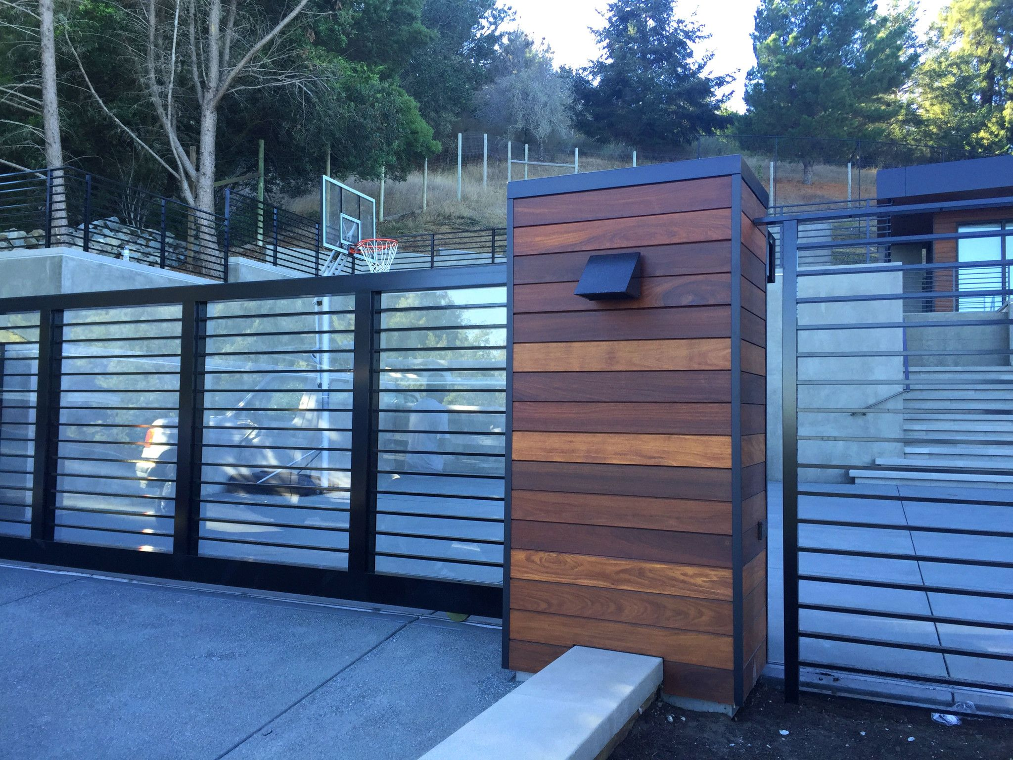 Best Aluminum Flat Bar Exterior Design Deck Railings House 400 x 300