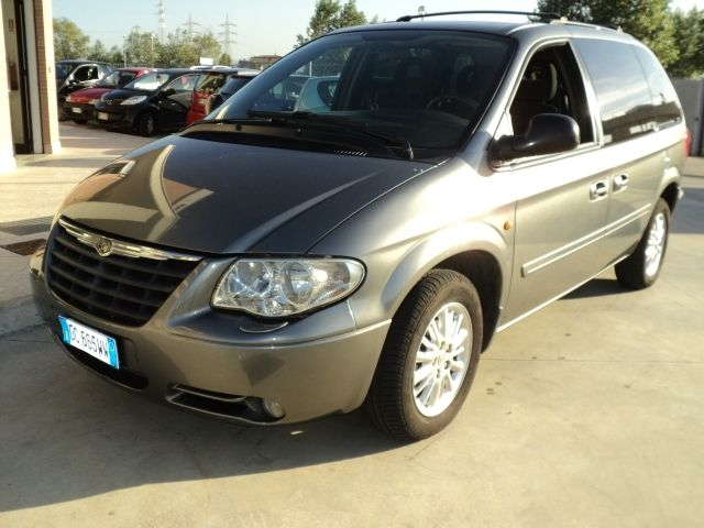 Chrysler Voyager 2 5 Crd 7 Posti A 5 900 Euro Monovolume 121 000 Km Diesel 105 Kw 143 Cv 08 2006 Annunci