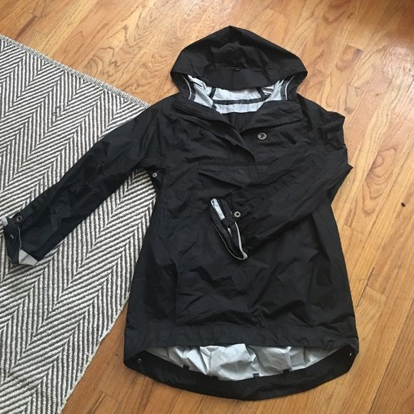 Lululemon rain jacket Love this rain jacket!! Long enough to cover your bum  if riding a bike with it - super lightweight and goes great over anything. 2f39d0603
