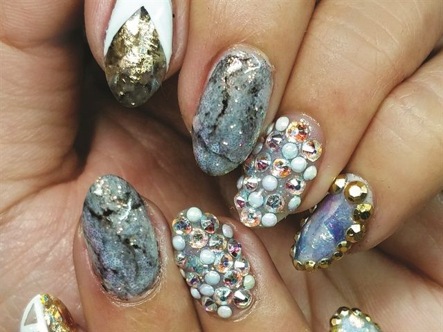 Nails That Rock: Geode Nail Art - NAILS Magazine | Rock Hound Nail ...