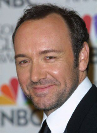 Kevin Spacey — Close-ups of pure sexiness.