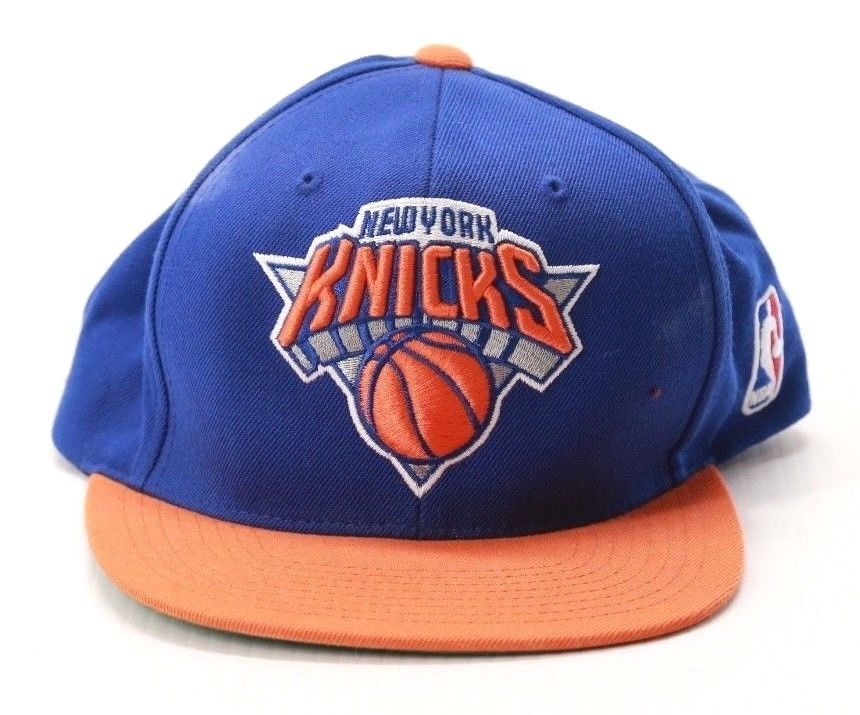9335e029dce49 Vintage New York Knicks Snapback Hat Cap NBA Mitchell & Ness #MitchellNess  #BaseballCap #NewYorkKnicks
