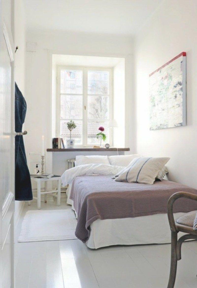 längliches schlafzimmer einrichten mit bildern