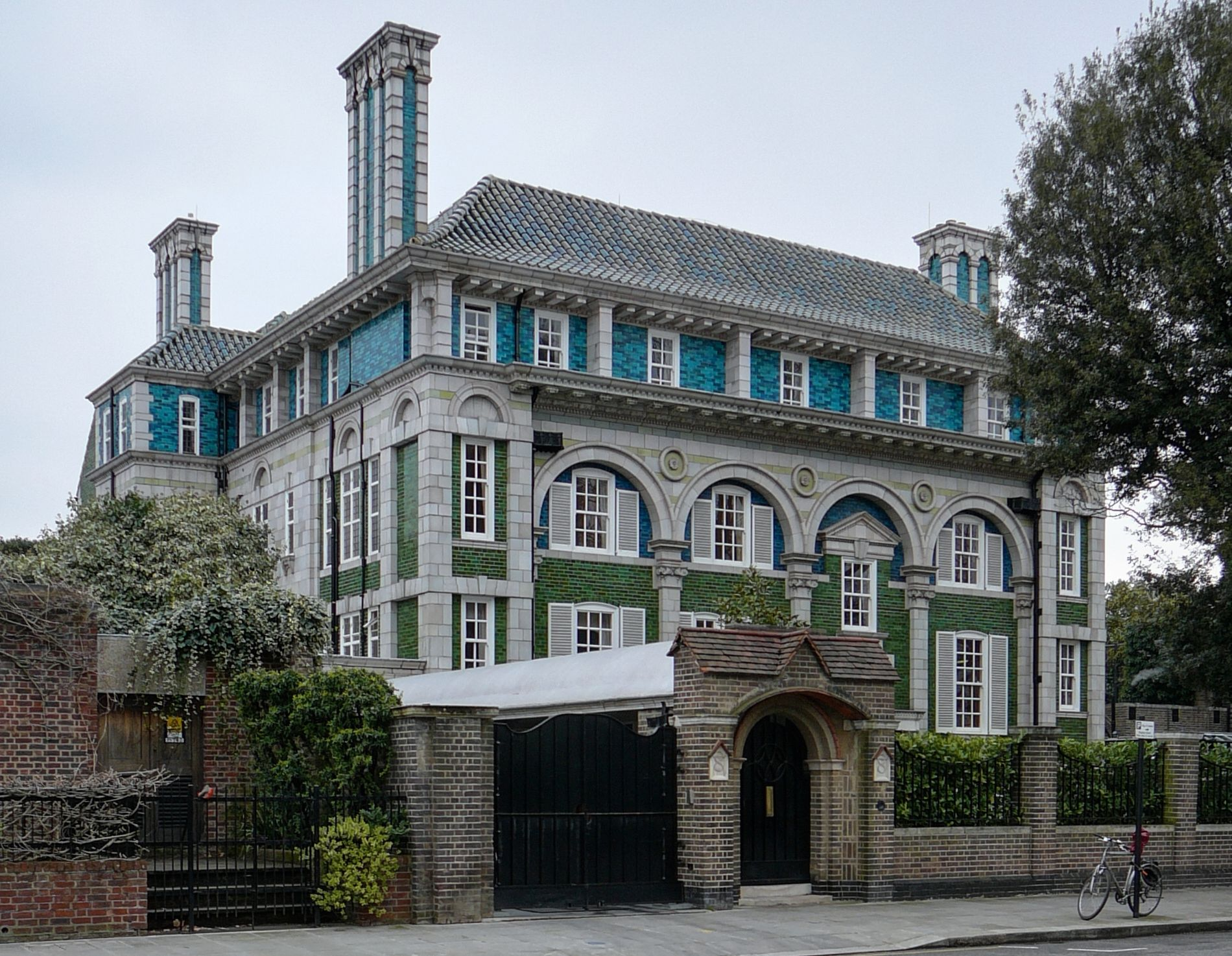 Debenham House A Grade I Listed Building Built In The Arts And  # Geza Muebles Rosario
