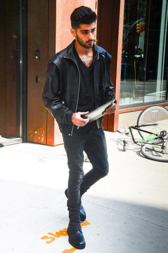 Zayn leaving Gigi's apartament in NYC today. (13.09.16)