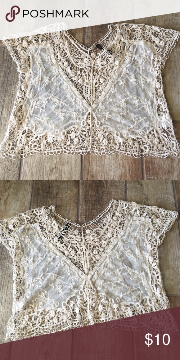 ABS LUTELY top Adorable crochet top from Nordstrom! Excellent condition! ABS LUTELY Tops Crop Tops