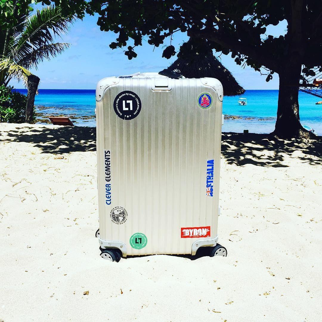 Even more Fiji! Tag #mybackpackisarimowa to share  #rimowa #myrimowa #topas #travel #trip #instalike #travelgram #followme #follow4follow #aroundtheworld #multiwheel #aviation #withmyrimowa #greatoceanroad #backpacking #vacation #luggage #follow #rimowatopas #sticker #fiji #yasawa #yasawaislands #octopus by myrimowa
