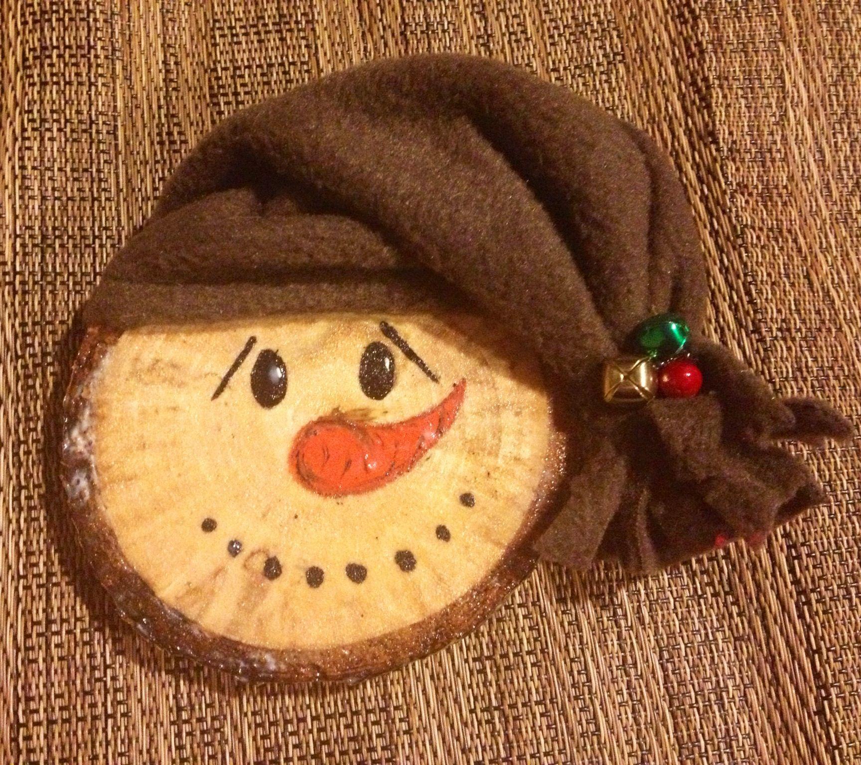 Wood slice, Snowman ornament Christmas crafts, Xmas