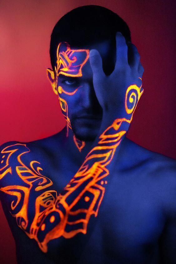 Photo of Body painting sessions with UV luminous paint will delight everyone. No matter i…