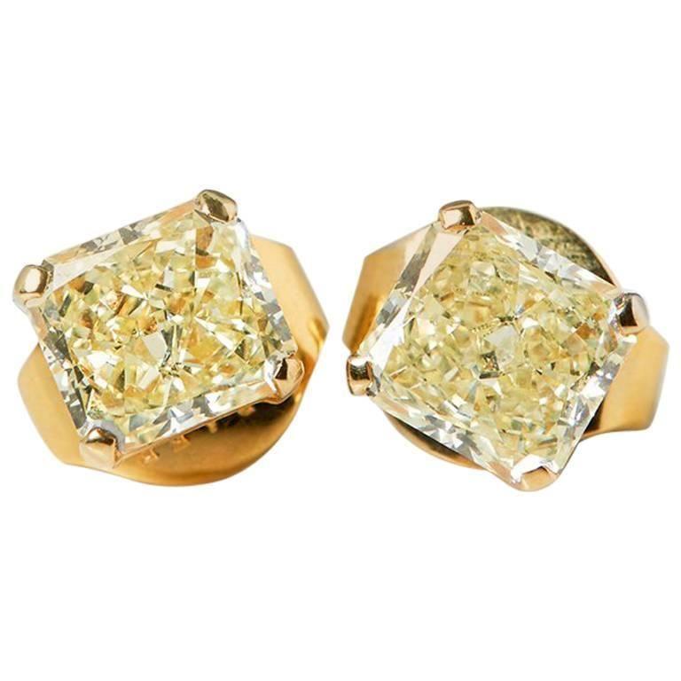 9756fce37 Graff Diamonds Yellow Gold 2.66 Carat Yellow Diamond Stud Earrings ...