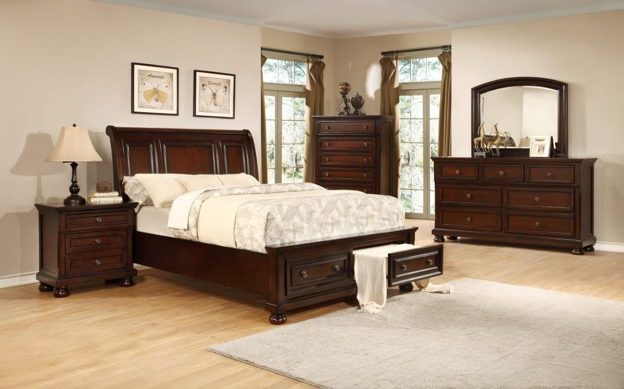 King Bedroom Set Impressive Traditional That Features Hardwoods Construction And A Unique Semi Sleigh Style Bed With Fooot Board Storage