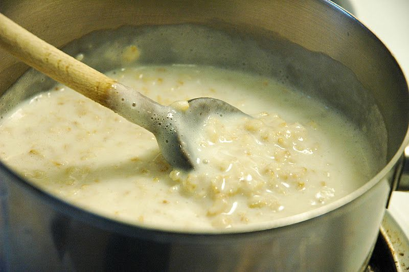 Oatmeal is the perfect breakfast. It's inexpensive, filling and delicious.  Here's an easy way to cook oatmeal that your fami...