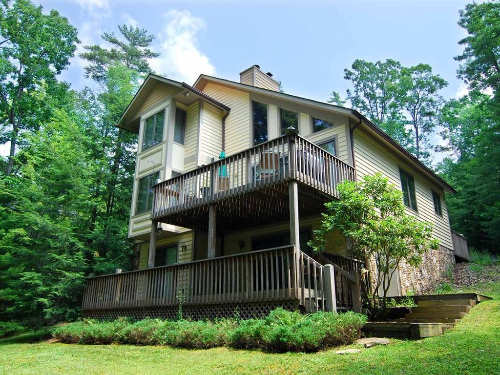 Check out this property on Vrbo in 2020 Lakefront homes