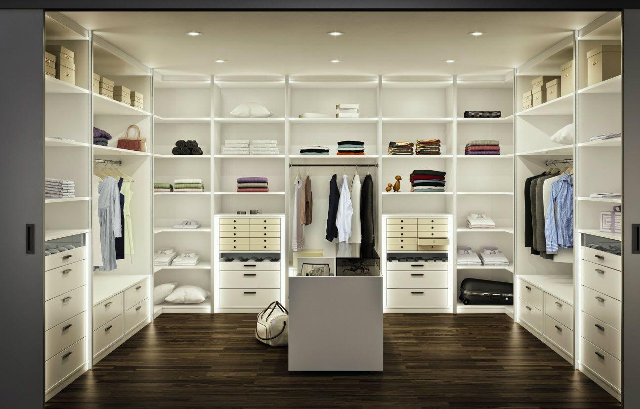 Walk in wardrobe multi forma ii h lsta wardrobe for Walk in closet white