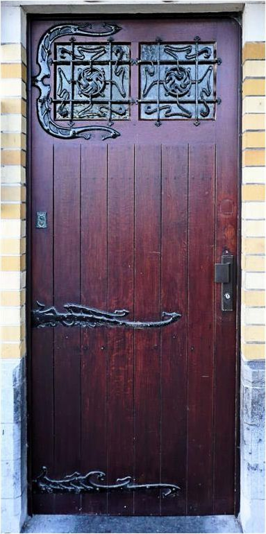 Something like this for both doors on my set would definitely fit the time period.