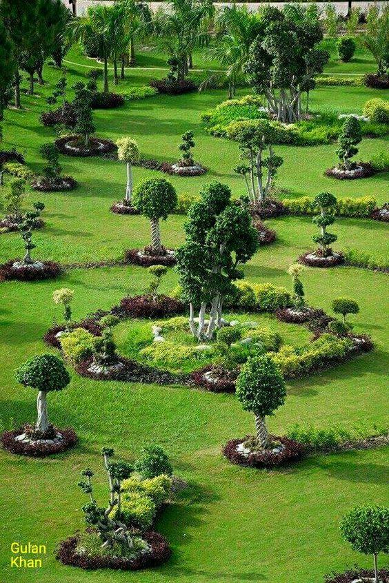 The Beauty Of The Lahore Punjab Pakistan Asiangarden The Beauty Of The Lahore Punjab Pakist Beautiful Gardens English Garden Design Beautiful Flowers Garden