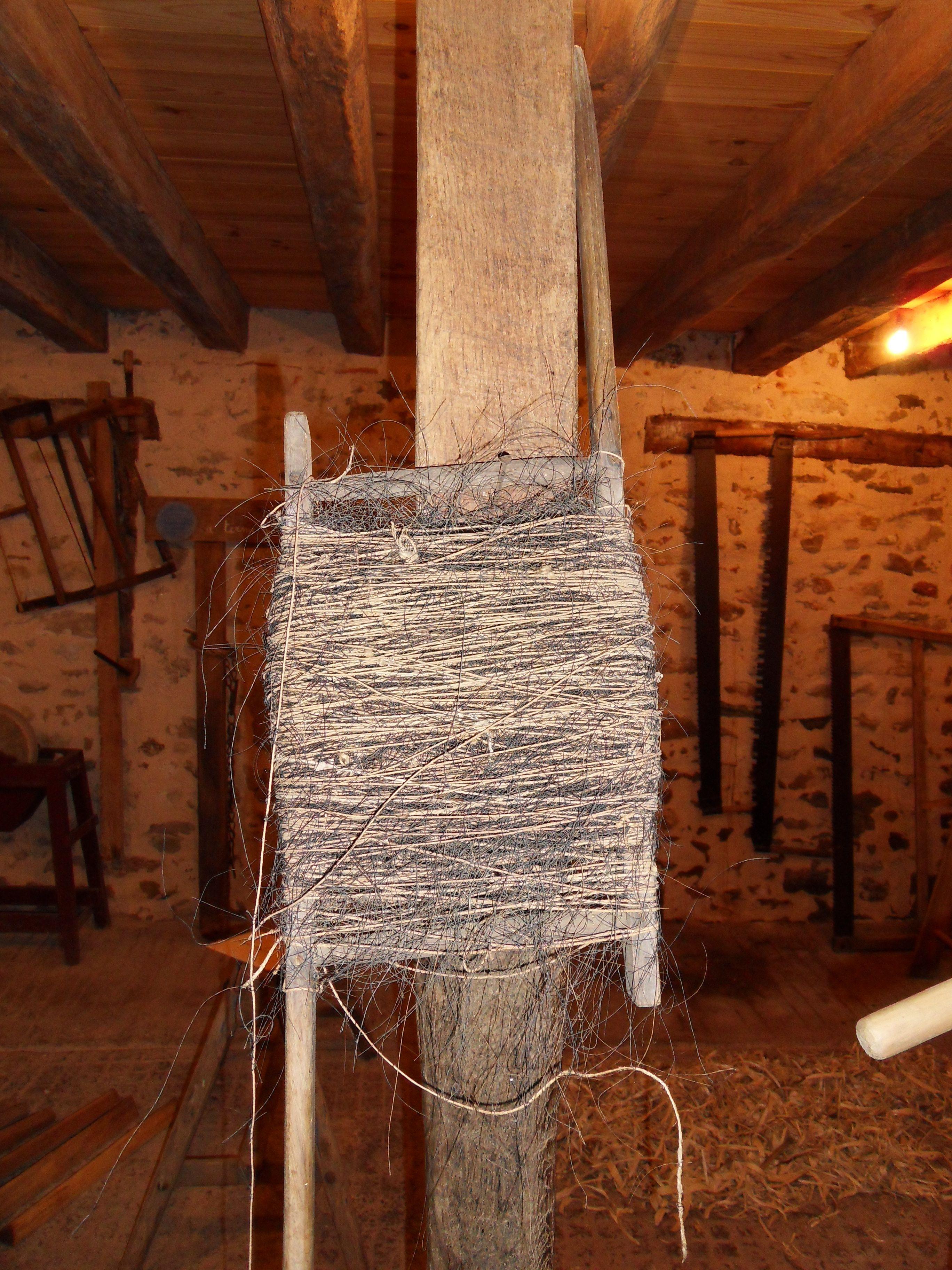Une Saulnee Exposee A La Maison Des Traditions Ancien Piege A Alouette George Sand En A Donne Une Definition Complete Dans Un De Ses Alouette Maison Ancien