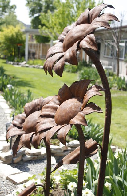 High Quality Rustic Metal Garden Ornaments For Garden Structure.