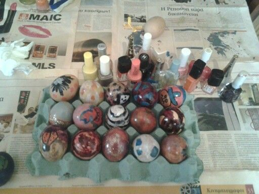 Eggs with color nails