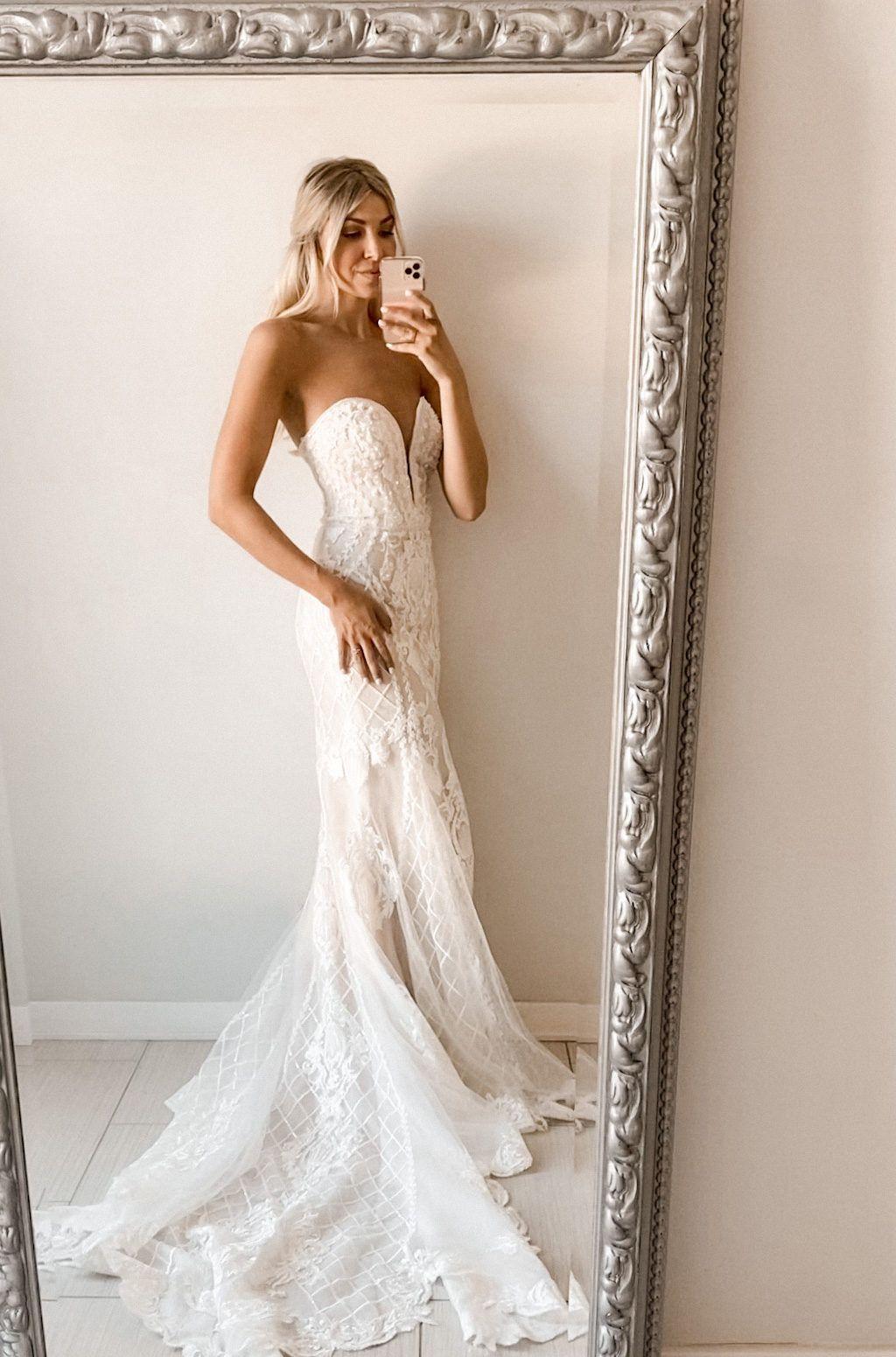 Beaded Scroll And Lace Mermaid Wedding Dress David S Bridal Davids Bridal Wedding Dresses Petite Wedding Dress Glitter Bridesmaid Dresses [ 1551 x 1024 Pixel ]