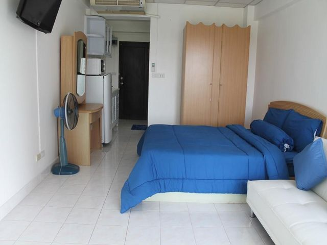 Studio for rent at Jomtien beach condo Room size  30 Sqm Floor - room for rent contracts