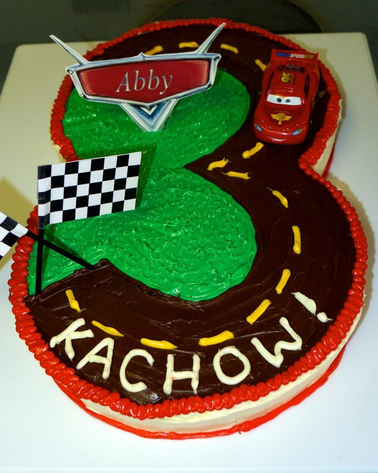 Lightning McQueen Cars 3rd birthday cake I made this cake for my