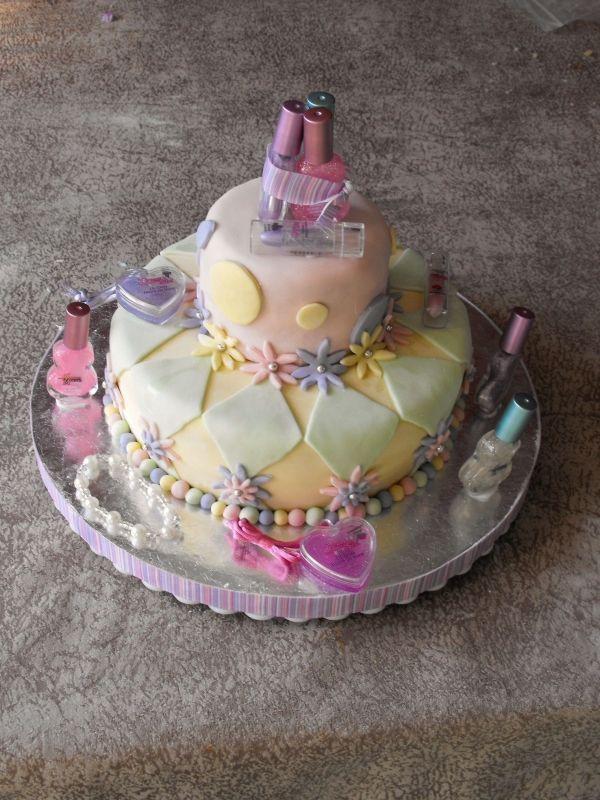 Homemade Birthday Cake For Little Girl