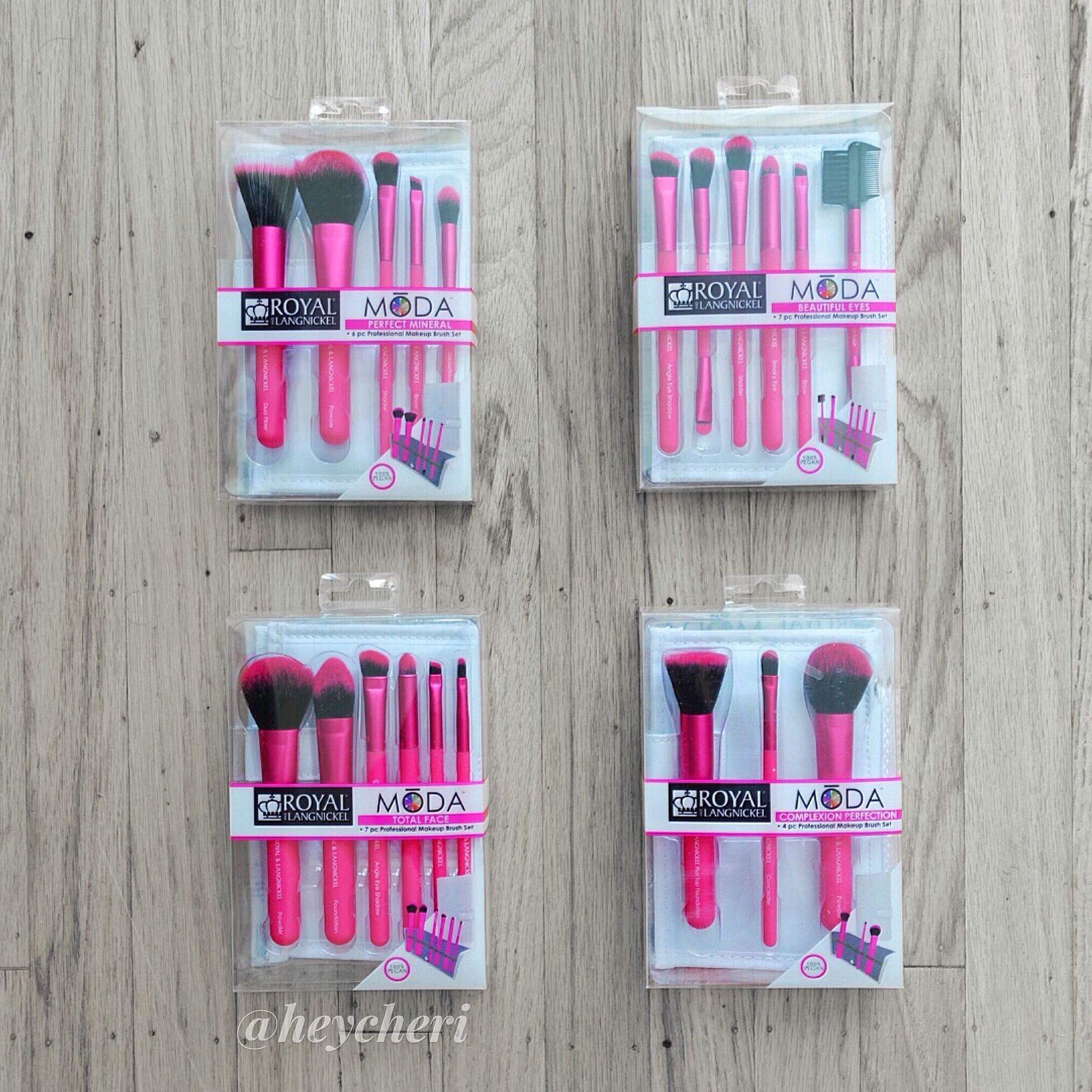 Royal langnickel moda makeup brushes im doing a giveaway and royal langnickel moda makeup brushes im doing a giveaway and makeup tutorial on baditri Choice Image
