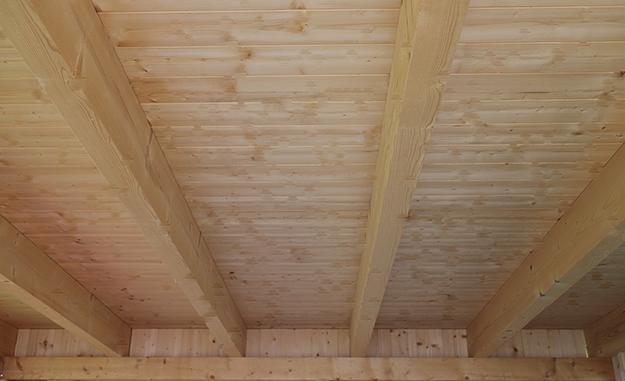 Holzdecke Streichen Mit Kronen Holz Isolier Und Deckfarbe Jaeger Holzdecke Streichen Holzdecke Holzdecken