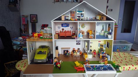 Une maison pour playmobils pinterest maison playmobil for Modele maison playmobil