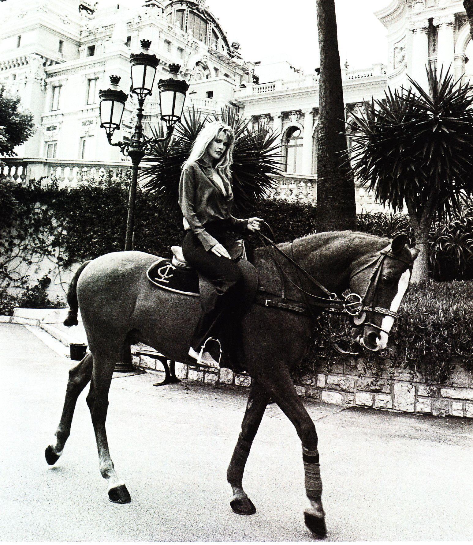 Claudia Schiffer 2992d2c7e71